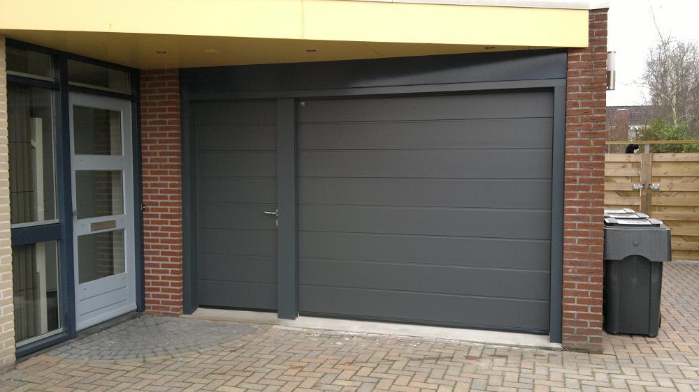 Sect deur met losse loopdeur house style for Deuren stadskanaal